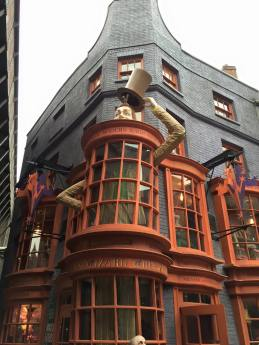 Wizarding World of Harry Potter Weasleys